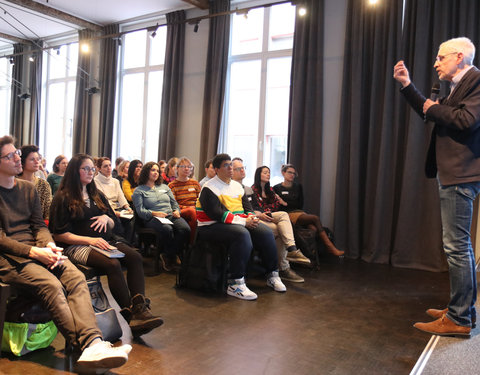 Lezing door Paul Van Den Bosch: 'Act like a coach'
