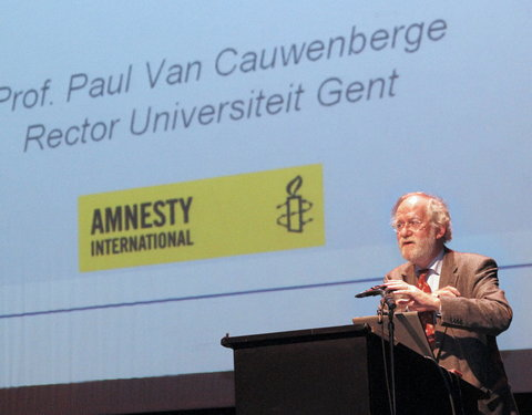 Verwelkoming door rector Paul Van Cauwenberge