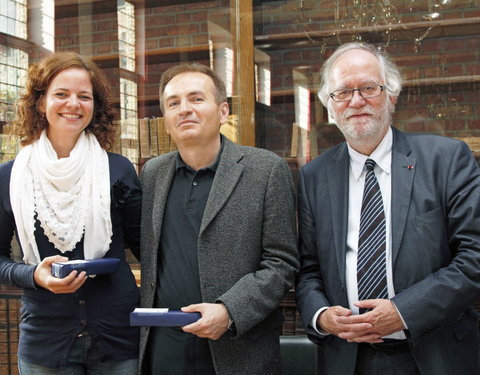 Vlnr. Ana Soti (IRO officer University of Novi Sad), prof. Pavli Sekerus (Vice rector University of Novi Sad) en prof. Paul Van Cauwenberge (rector UGent)