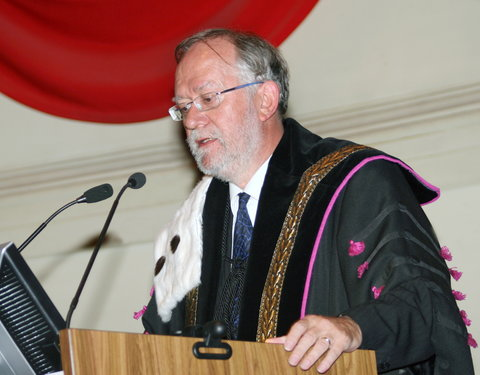 Uitreiking institutioneel eredoctoraat 2008 aan dirigent René Jacobs: laudatio door rector Paul Van Cauwenberge