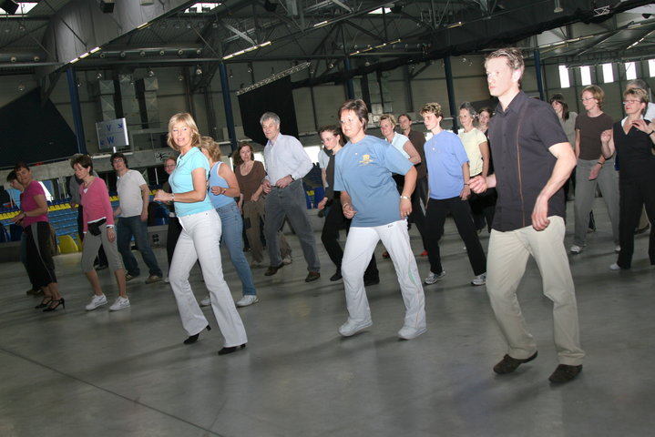 Salsa in topsporthal Bloso