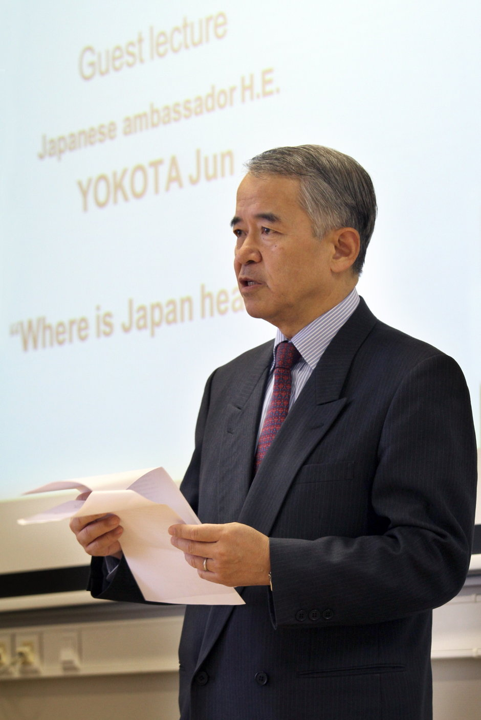 Lezing door de Japanse ambassadeur in België Yokota Jun: 'Where is Japan headed?'