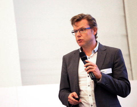Voordracht door dr. Pieter Peeters (Janssen Pharmaceutica): 'Big in Data: unravelling the complexity'