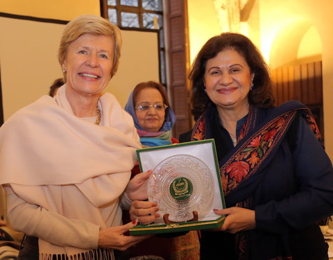 Vlnr. prof. Anne De Paepe (rector UGent) en Zahra Wadood Fatemi (Member of National Assembly, Pakistan)
